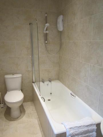 holiday cottage bathroom Hawes, North Yorkshire
